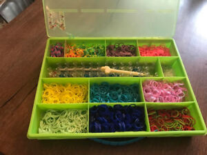 RAINBOW LOOM KIT - Case and Accessories - LIKE NEW