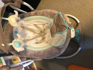 Portable battery operated baby swing
