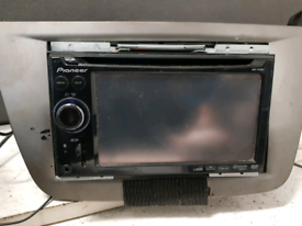 Pioneer AVIC F910BT cd dvd radio player sat nav bluetooth touch screen