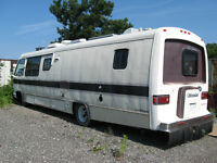 1988 Champion Ultrastar Motor Home - NEEDS TO GO!