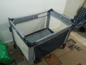 Graco PlayPen pack 'n Play