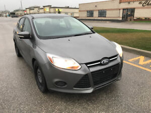2014 Ford Focus SE,  NEW SAFETY! LOW KM! NO ACCIDENT !!!