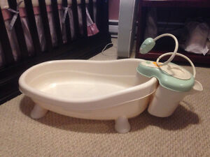 Infant bathtub, Jacuzzi and shower head