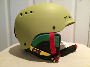 Ski / Snowboarding Men's Helmet - brand new, never worn