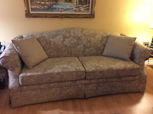 Perfect condition couch & chair