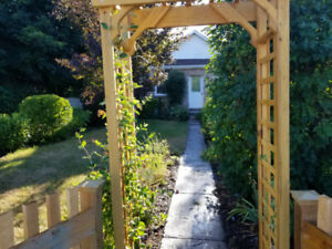 2 Bed Room Bungalow Downtown