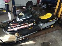 BOMBARDIER MACH Z 800 2002.  1900$