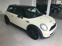2009 Mini 1.6 ( 175bhp ) Cooper S - 2 Keys - 6 Service Stamps - 1 Former Keeper
