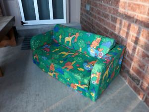 Kids fold-out couch