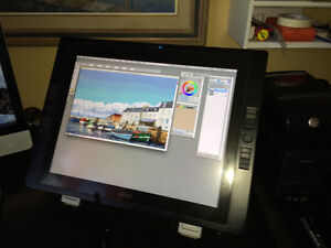 Wacom Cintiq pen display pour Mac ou Window.