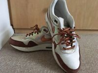 Women's size 7 Nike air max