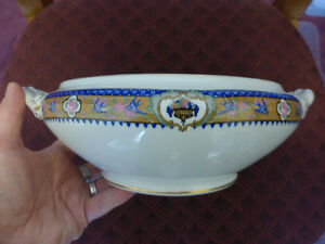 Vintage/Antique Porcelain Vegetable Dish/ Soup Turee -no lid Kitchener / Waterloo Kitchener Area image 1