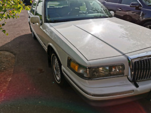 1996 Lincoln Town Car Mint