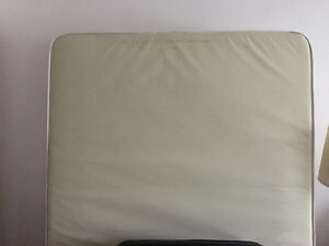 Some furniture, couch, matress, table chairs for free Cambridge Kitchener Area image 2