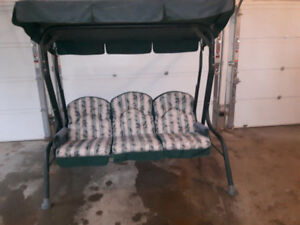 Swinging 3 Seater Deck Chair