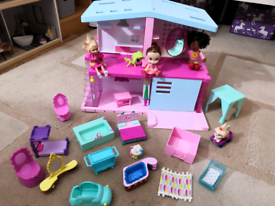 Shopkins dolls house and accessories