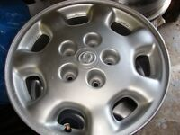 4 MAGS MAZDA 15 POUCES BOLT PATTERN 5 X 4½