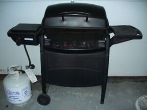 Gas BBQ with Side Burner  CAN DELIVER