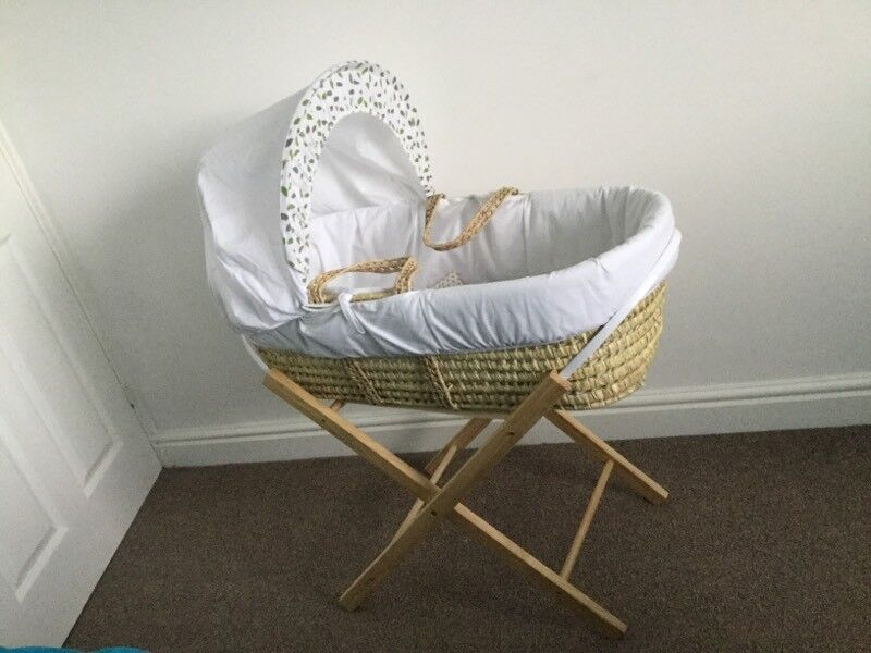 BABY MOSES BASKET AND STAND little bird unisex boy girl white