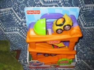 NEW fisher price lil zoomers