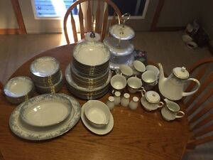 Noritake Avalon Fine China Set