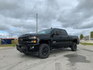2019 Chevrolet Silverado 2500 Midnight Edition - Duramax