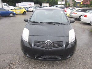 TOYOTA YARIS LE 110,000 km 2 sets of tires 3 years warranty