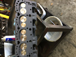 SBC WORLD PRODUCTS SR CYLINDER HEADS RECONDITIONED
