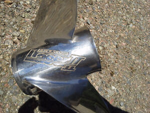 Stainless Merc Prop off 200hp 24 pitch lazer $550