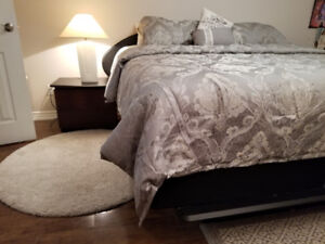 King-size 7 pieces full  bedroom set