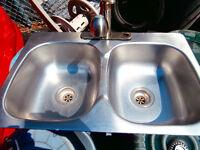 1 sink 31x21x14 in good shape asking$55  450-628-4656  514-803-