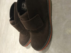 Boys Umi boots size 10.5