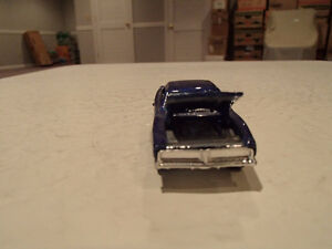 LOOSE 2005 Muscle Mania Hot Wheels #104 Purple 69 Dodge Charger Sarnia Sarnia Area image 3