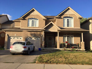 Fabulous 4 bedroom Laurelwood home for rent to a single famly