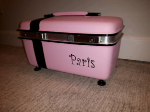 Vintage Train Case *Delivery Available*