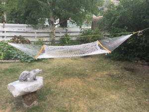 Rope hammock with oak spanners