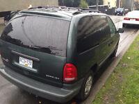 2000 Dodge Caravan Base Minivan, Van