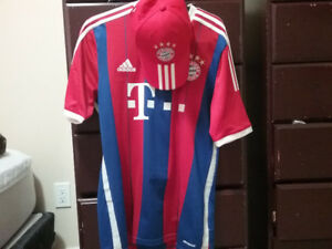 BAYERN MUNICH JERSEY SIZE M TEAM HAT ADIDAS OFFICIAL FOR SALE