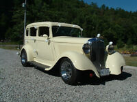 antique wedding car availible