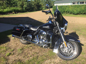 2012 Harley Ultra Ltd with Lots of Extras