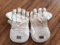 MILLICHAMP and HALL Wicketkeeping gloves Men's