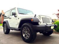 **2015 Jeep Wrangler 24' Rubicon tire (LIFETIME ENGINE WARRANTY