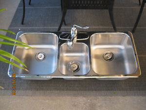 Haut de gamme Kindred TRIPLE évier et robinet stainless encastré