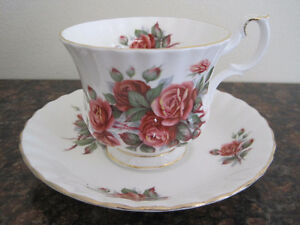 Royal Albert Tea Cup/ Saucer Sets (Page 1) Kitchener / Waterloo Kitchener Area image 7