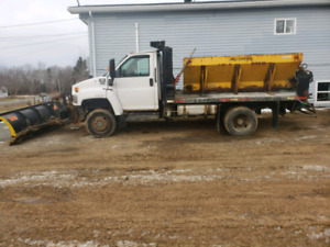 2005 GMC C5500 4x4  diesel, plow salter and dump body $30,000OBO