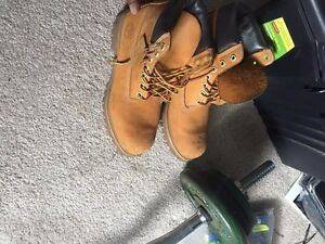 Shoes for sale (Timberlands, Jordans)