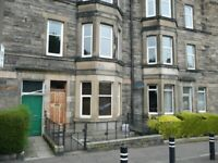 Bright spacious traditional 2 Bedroom traditional flat just off Holyrood park and Arthurs seat