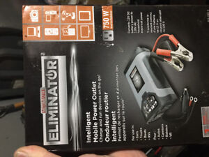 MotoMaster 750W Mobile Power Outlet and Inverter (Never used)