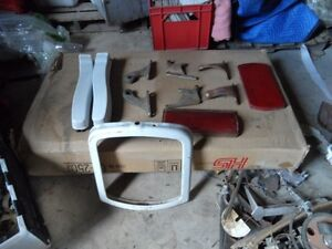 ANTIQUE BARBER CHAIR PARTS London Ontario image 6