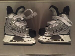 Bauer Boys Hockey Skates size 8 (Youth Size 8)